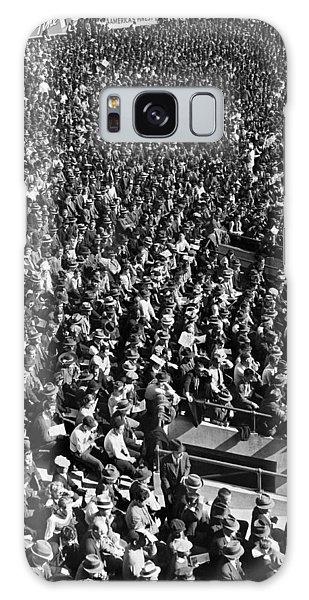 Yankee Stadium Galaxy S8 Case - Baseball Fans At Yankee Stadium In New York   by Underwood Archives