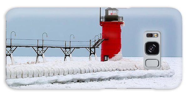 Catwalk Galaxy S8 Case - South Haven Winter Lighthouse by Nick Zelinsky