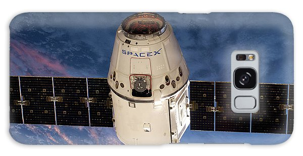 Spacex Dragon Capsule At The Iss Galaxy Case