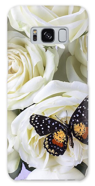 Speckled Butterfly On White Rose Galaxy Case