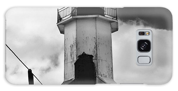 Catwalk Galaxy S8 Case - St. Joseph Pier Lighthouse Black And White by Dan Sproul