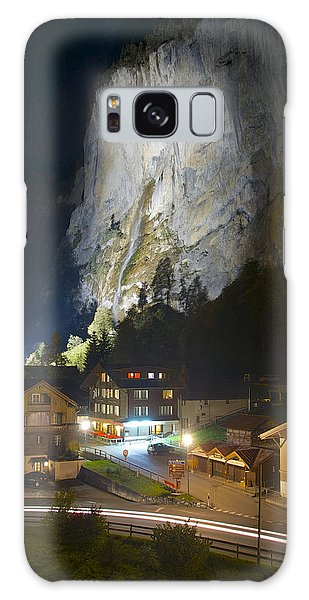 Staubbach Falls At Night In Lauterbrunnen Switzerland Galaxy Case