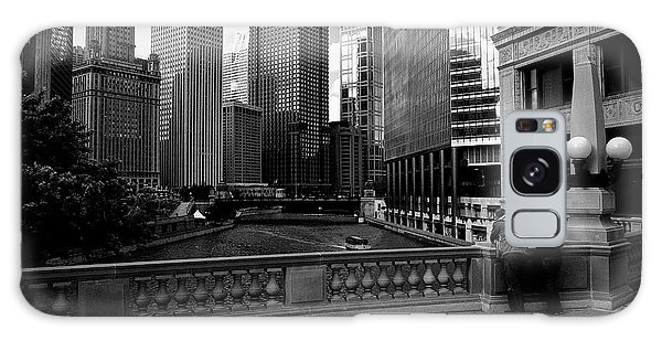 Summer On The Chicago River - Black And White Galaxy Case