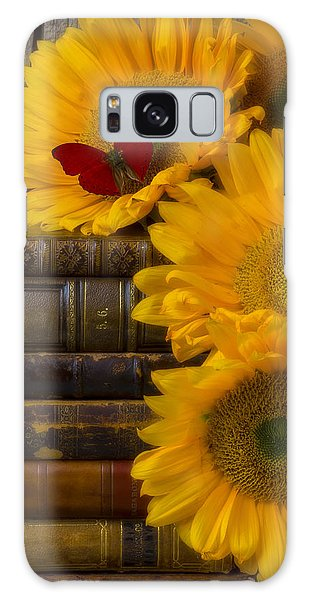 Sunflowers And Old Books Galaxy Case