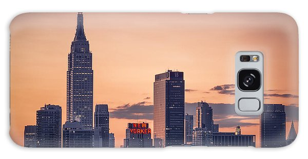 Manhattan Sunrise Galaxy Case
