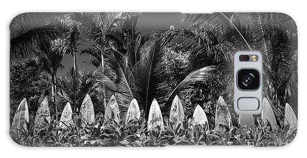 Surf Board Fence Maui Hawaii Black And White Galaxy Case