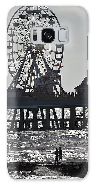 Surfer And Lovers At Pleasure Pier Galaxy Case