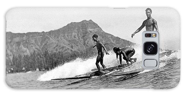 Surfing In Honolulu Galaxy Case