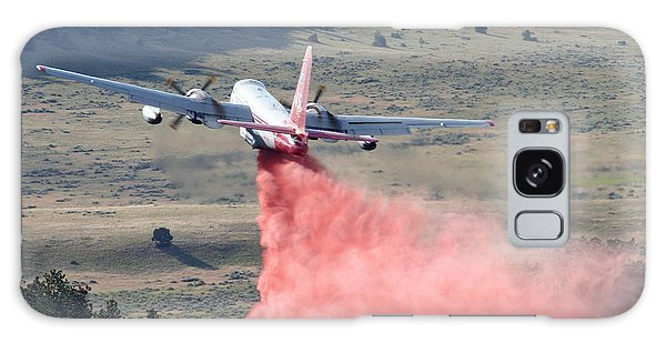 Tanker 45 Dropping On Whoopup Fire Galaxy Case by Bill Gabbert