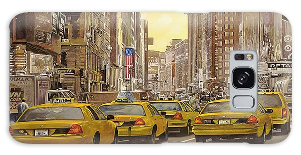 City Scenes Galaxy S8 Case - taxi a New York by Guido Borelli