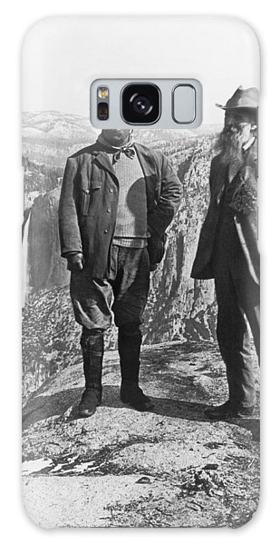 Two People Galaxy Case - Teddy Roosevelt And John Muir by Underwood Archives