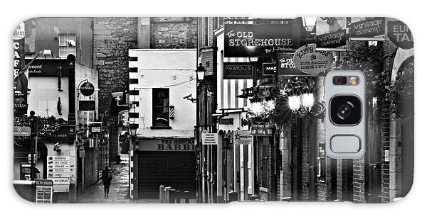 Galaxy Case featuring the photograph Temple Bar / Dublin by Barry O Carroll