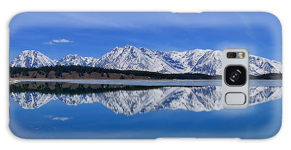 Teton End Of Winter Reflections Galaxy Case