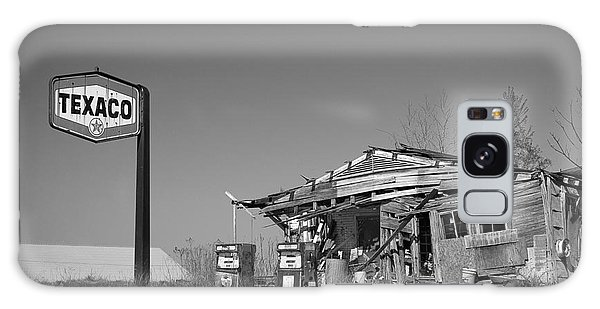 Texaco Country Store In Black And White Galaxy Case