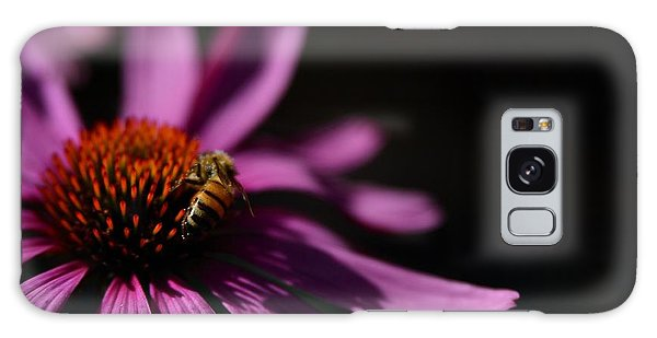 The Bee Of Elegance Galaxy Case