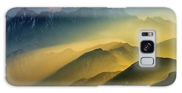 Layers Galaxy Case - The Cattle-back Mountain Sunset by Hua Zhu