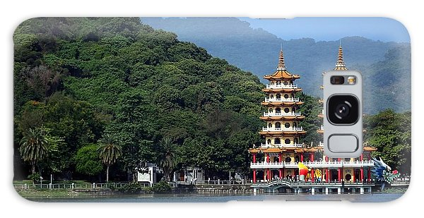 The Dragon And Tiger Pagodas In Taiwan Galaxy Case