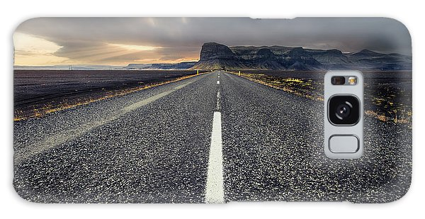 Iceland Galaxy S8 Case - The Road by Carlos M. Almagro