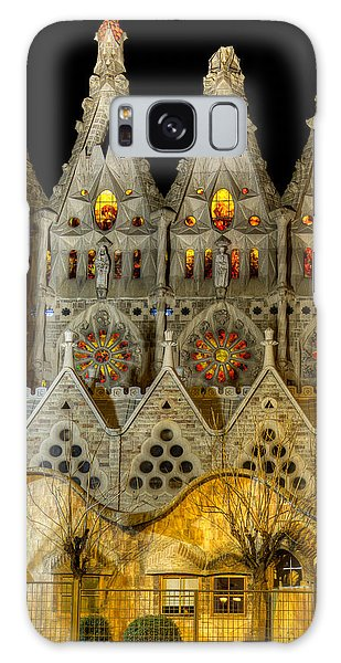 Three Tiers - Sagrada Familia At Night - Gaudi Galaxy Case