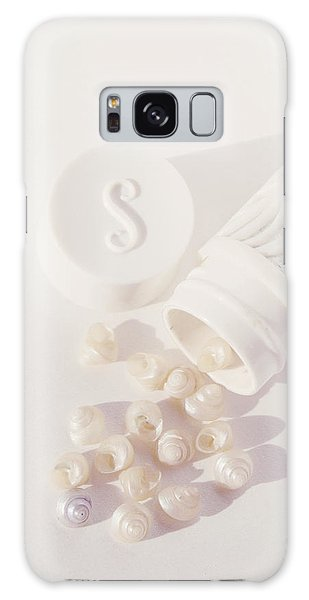 Tiny White Seashells Galaxy Case
