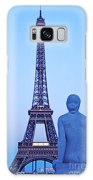 Tour Eiffel And Statue Galaxy Case
