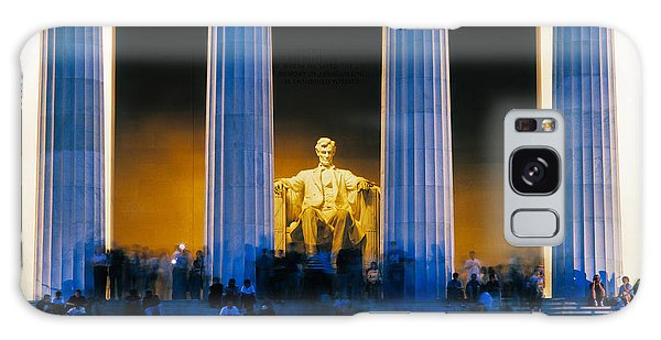Tourists At Lincoln Memorial Galaxy Case by Panoramic Images