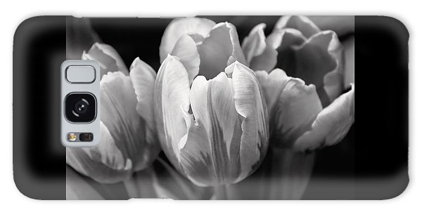 Tulip Flowers Black And White Galaxy Case