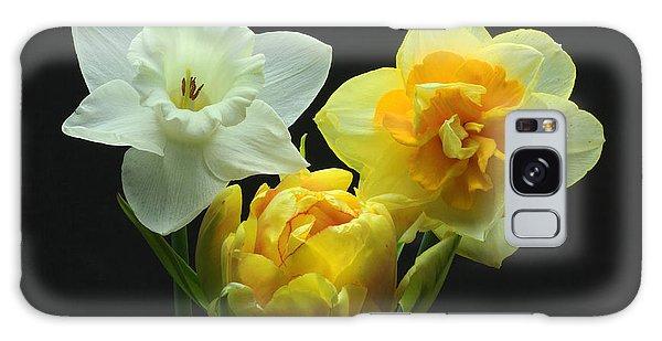 Tulip With Daffodils Galaxy Case