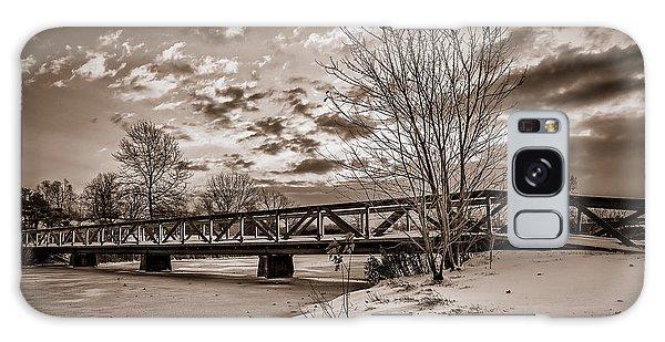 Twilight Bridge Over An Icy Pond - Bw Galaxy Case