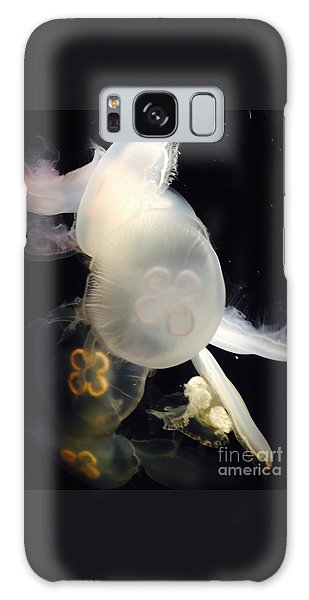 Umbrella Jellyfish 1 Shot At Long Beach California Aquarium By Richard W Linford Galaxy Case by Richard W Linford