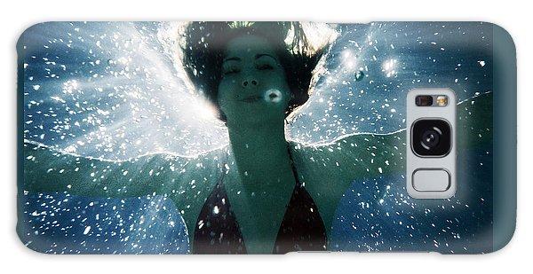 Underwater Self-portrait Galaxy Case
