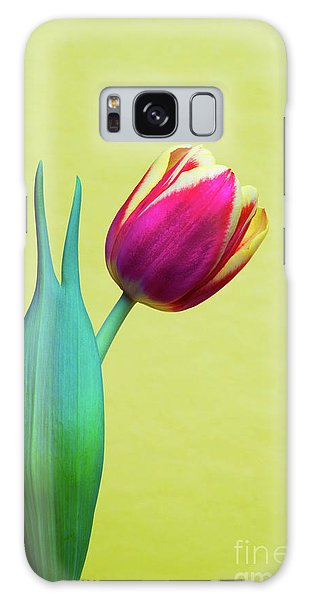 Vibrant Tulip Peace Sign   Galaxy Case by Linda Matlow