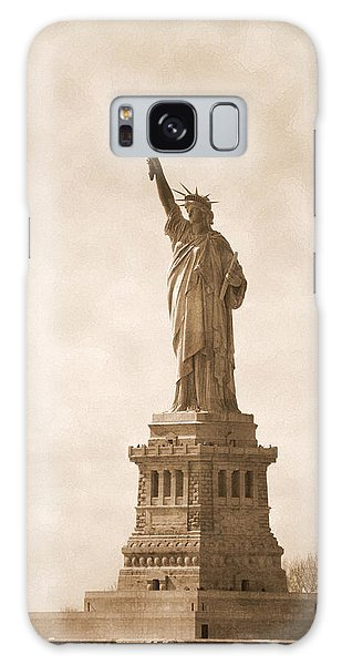 Vintage Statue Of Liberty Galaxy Case