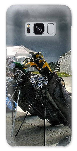 Waiting Out The Rain - Chambers Bay Golf Course Galaxy Case