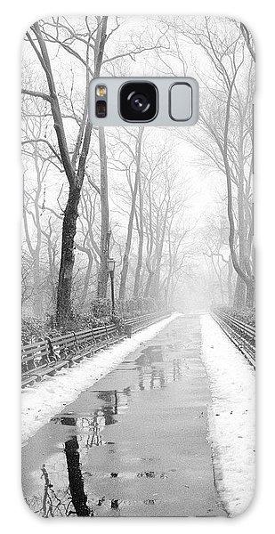 Walkway Snow And Fog Nyc Galaxy Case