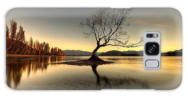 Wanaka - That Tree 1 Galaxy Case by Brad Grove