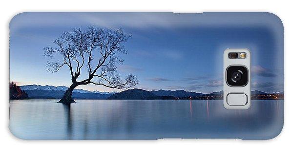 Lake Galaxy Case - Wanaka Twilight by Yan Zhang