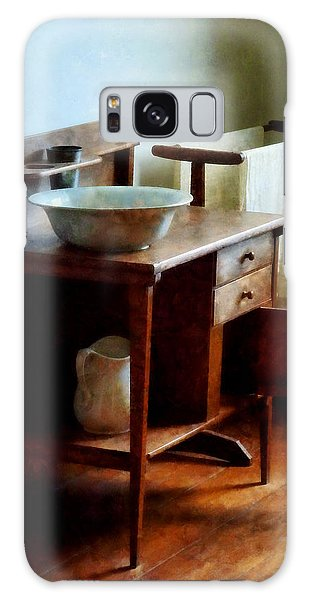 Wash Basin And Towel Galaxy Case