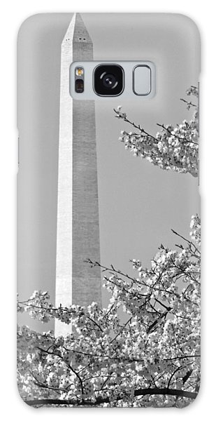 Washington Monument Amidst The Cherry Blossoms Galaxy Case