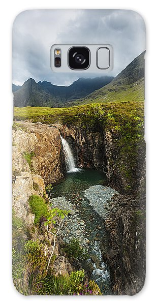 Fairy Pools Galaxy S8 Case - Waterfall In Coire Na Creiche The Fairy by Ian Cumming