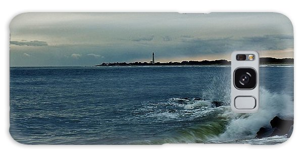 Wave Crashing At Cape May Cove Galaxy Case by Ed Sweeney
