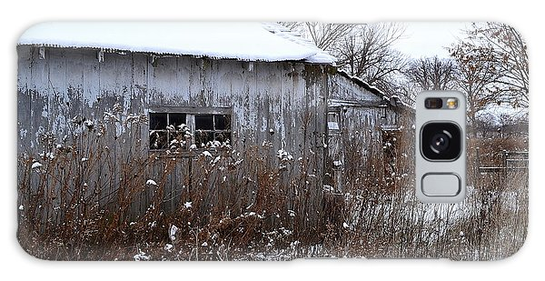 Weathered Barns In Winter Galaxy Case