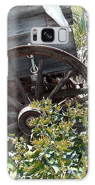 Wheels In The Garden Galaxy Case by Glenn McCarthy Art and Photography