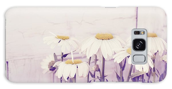 White Daisy Mums Galaxy Case