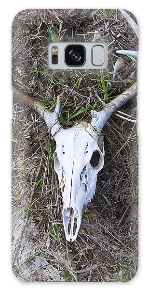 White Deer Skull In Grass Galaxy Case