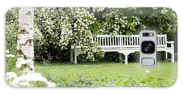 White Garden Iv Galaxy Case