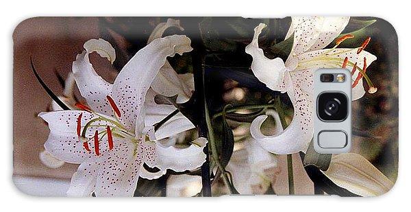 White Oriental Lilium  Galaxy Case