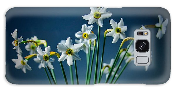 White Narcissus On A Dark Blue Background Galaxy Case by Vlad Baciu