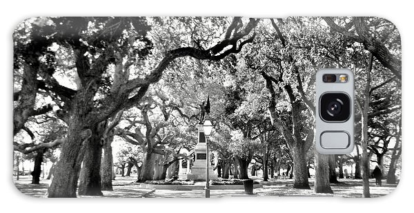 White Point Gardens At Battery Park Charleston Sc Black And White Galaxy Case