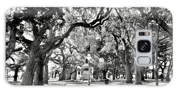 White Point Gardens At Battery Park Charleston Sc Black And White Galaxy Case